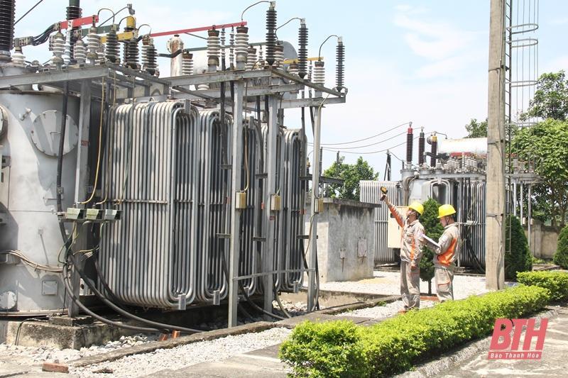 Bảo đảm cấp điện an toàn, ổn định mùa nắng nóng Ảnh 6