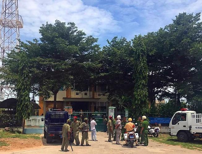 2 vợ chồng Nữ, Đoàn chửi tòa Bình Thuận trên Facebook là ai? Ảnh 1