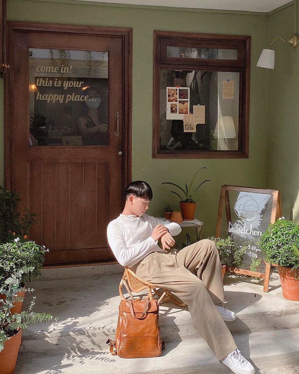 Cà phê trên sông và loạt quán hút giới trẻ check-in tại TP.HCM Ảnh 4