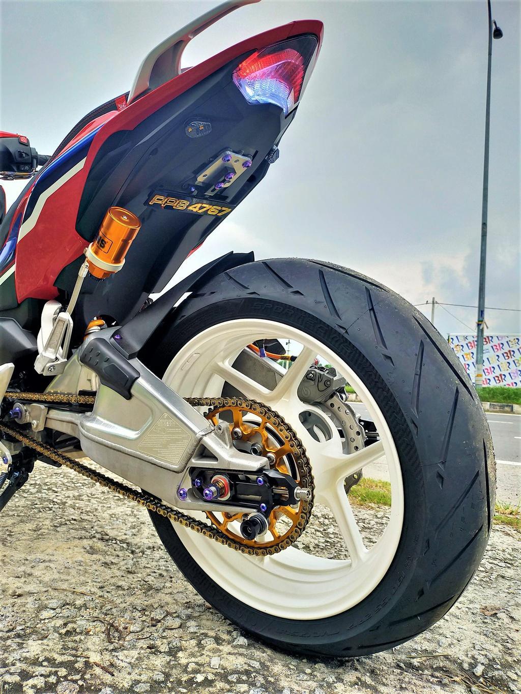 Honda Winner X phong cách phân khối lớn của xưởng độ Malaysia Ảnh 4