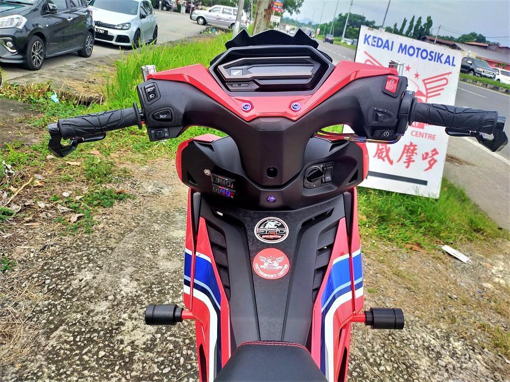Honda Winner X phong cách phân khối lớn của xưởng độ Malaysia Ảnh 5