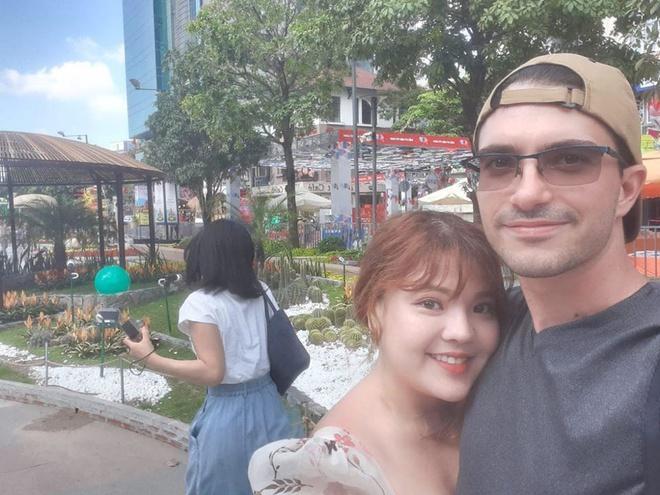 Nàng Việt, chàng Tây quen nhờ thích đọc sách, hẹn hò sau 3 ngày quen Ảnh 1