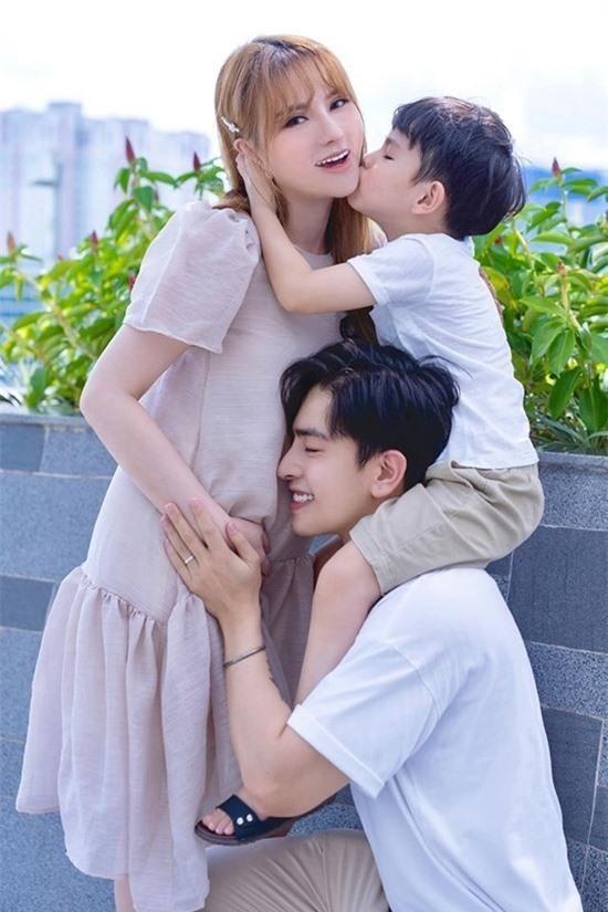 Ca sĩ Thu Thủy: Cả nhà chồng đều yêu chiều tôi! Ảnh 1