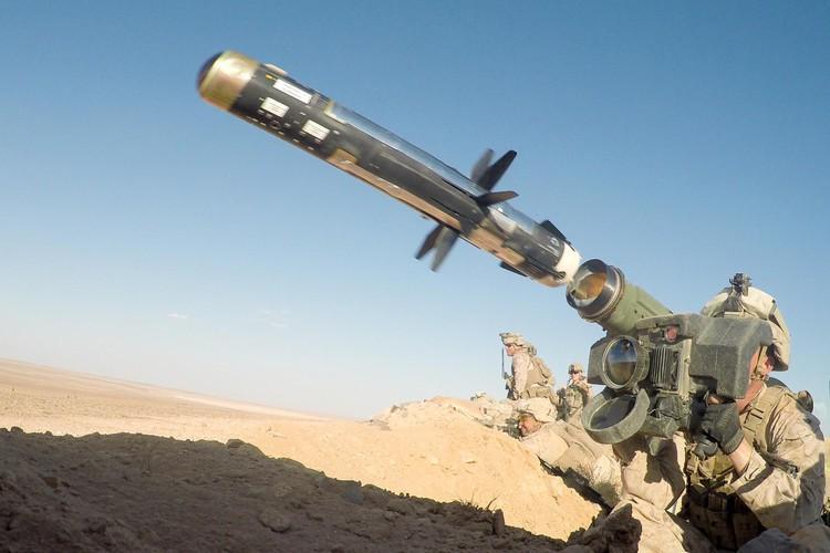 Nga 'lạnh gáy' khi Mỹ cung cấp thêm cho Ukraine loạt tên lửa chống tăng Javelin cực mạnh Ảnh 15