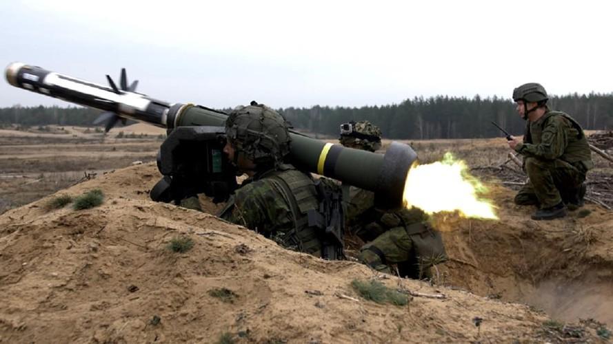 Nga 'lạnh gáy' khi Mỹ cung cấp thêm cho Ukraine loạt tên lửa chống tăng Javelin cực mạnh Ảnh 14