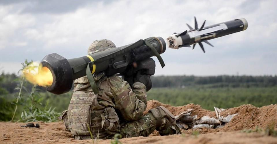 Nga 'lạnh gáy' khi Mỹ cung cấp thêm cho Ukraine loạt tên lửa chống tăng Javelin cực mạnh Ảnh 9