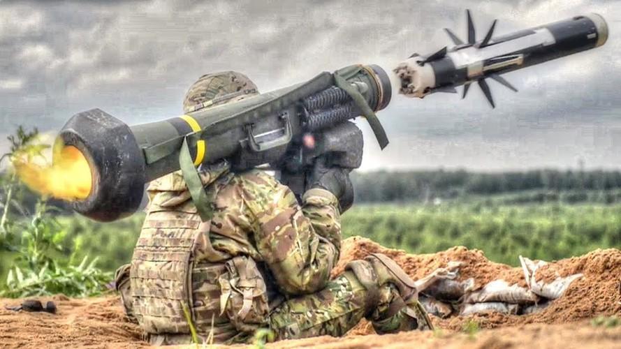 Nga 'lạnh gáy' khi Mỹ cung cấp thêm cho Ukraine loạt tên lửa chống tăng Javelin cực mạnh Ảnh 13