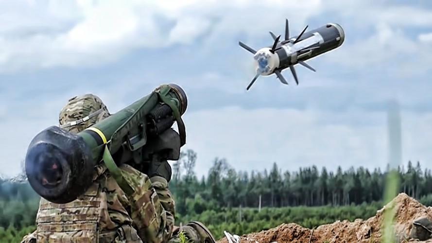 Nga 'lạnh gáy' khi Mỹ cung cấp thêm cho Ukraine loạt tên lửa chống tăng Javelin cực mạnh Ảnh 12