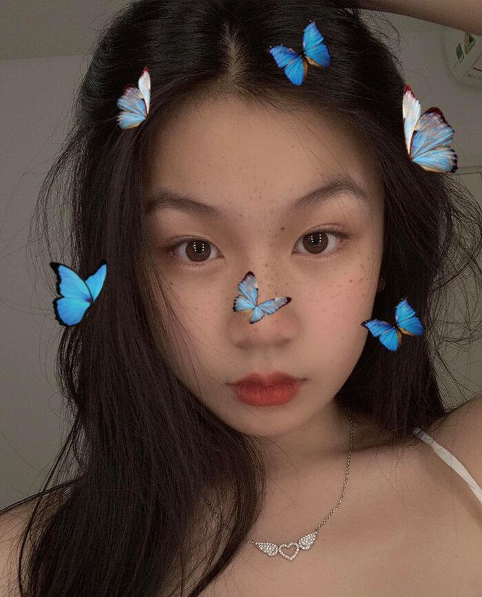 Con gái 15 tuổi của Lưu Thiên Hương khoe dáng trên biển với thần thái hút mọi ánh nhìn Ảnh 8