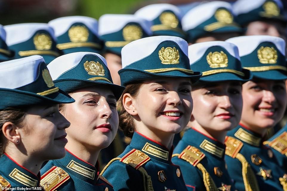 Vẻ đẹp các nữ quân nhân Nga trong lễ duyệt binh trên Quảng trường Đỏ Ảnh 2