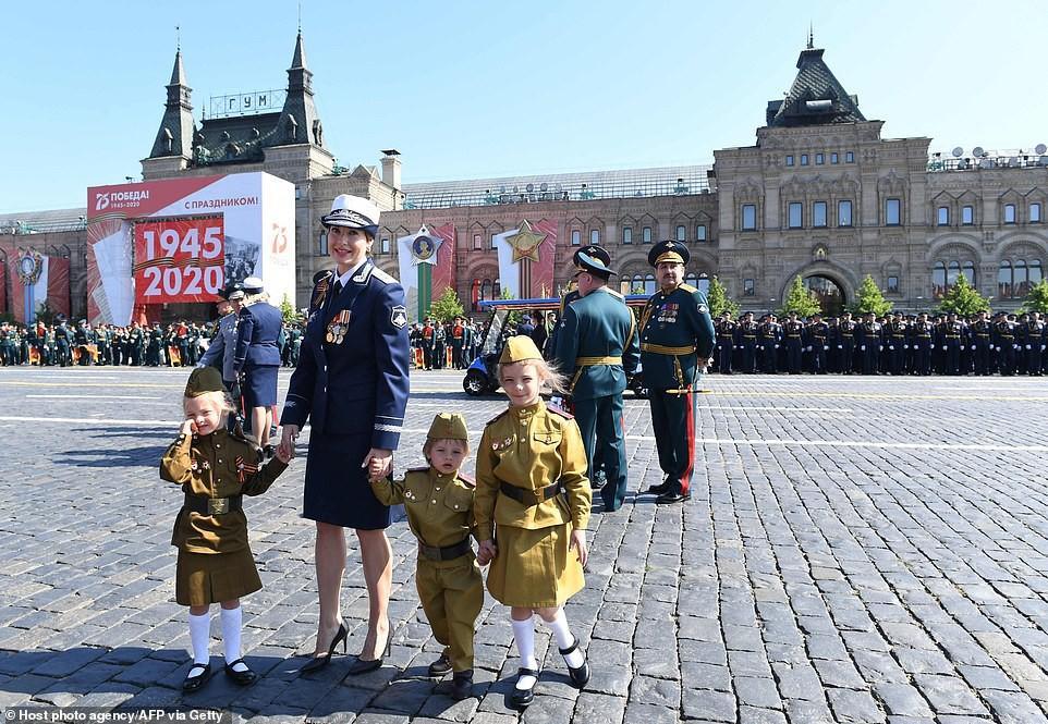 Vẻ đẹp các nữ quân nhân Nga trong lễ duyệt binh trên Quảng trường Đỏ Ảnh 9