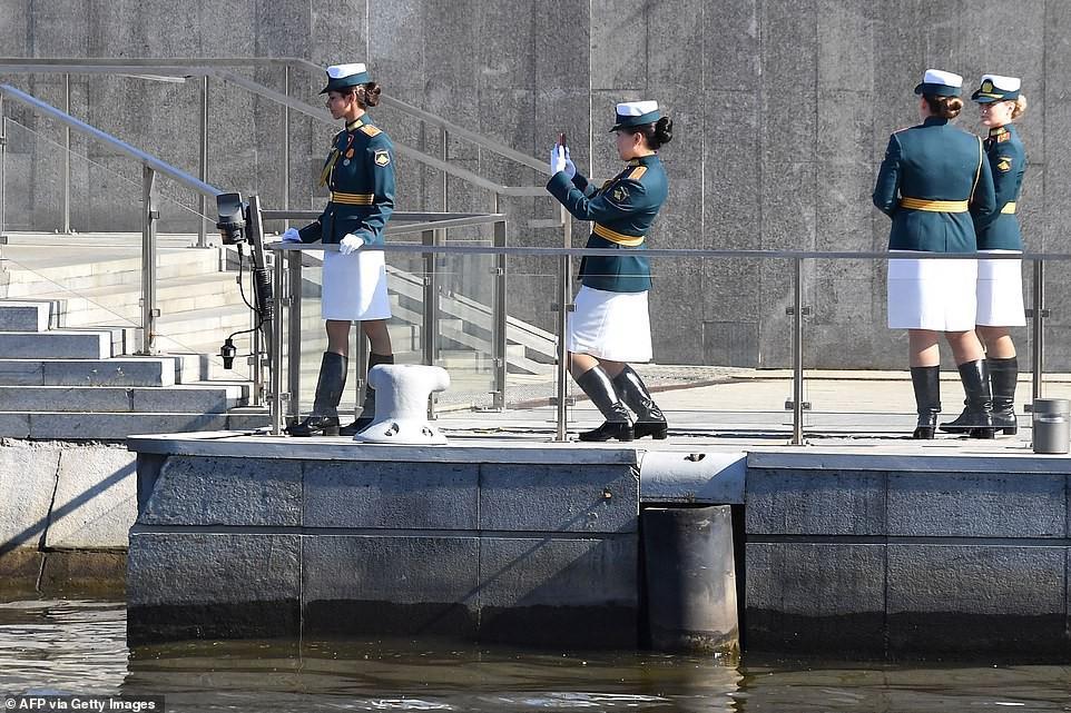 Vẻ đẹp các nữ quân nhân Nga trong lễ duyệt binh trên Quảng trường Đỏ Ảnh 5