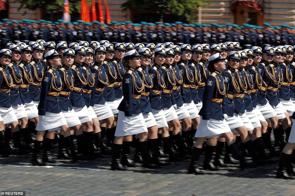 Vẻ đẹp các nữ quân nhân Nga trong lễ duyệt binh trên Quảng trường Đỏ Ảnh 4