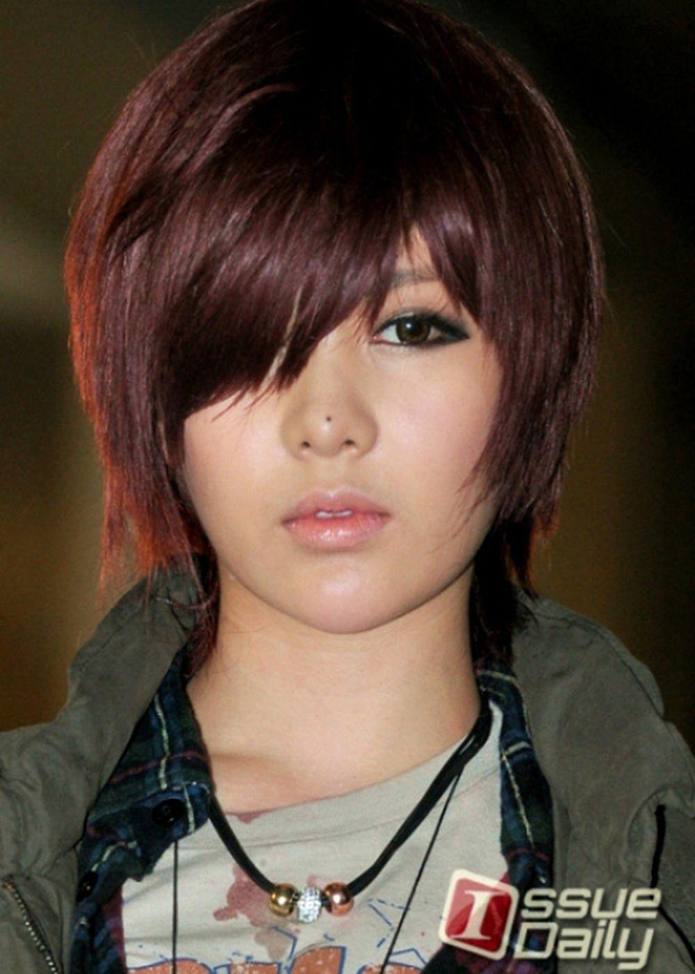 """Qri (T-ara) không thay đổi sức hấp dẫn thường thấy ngay cả khi cô để mái  tóc ngắn trong bản hit """"Cry Cry""""."""