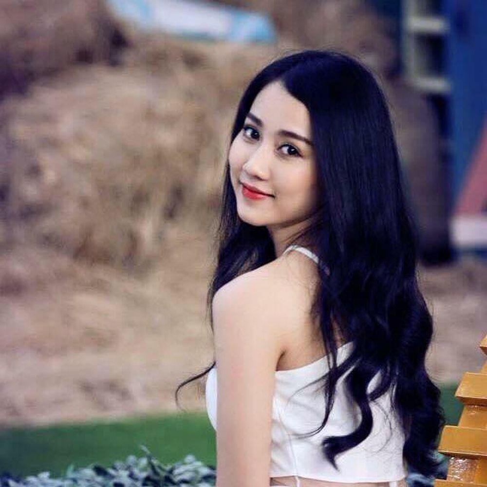 Có lẽ nhắc đến cái tên Huỳnh Hồng Loan , nhiều người cũng phải ngờ ngợ vì  cô là gương mặt quen thuộc trên các bìa tạp chí tuổi teen.