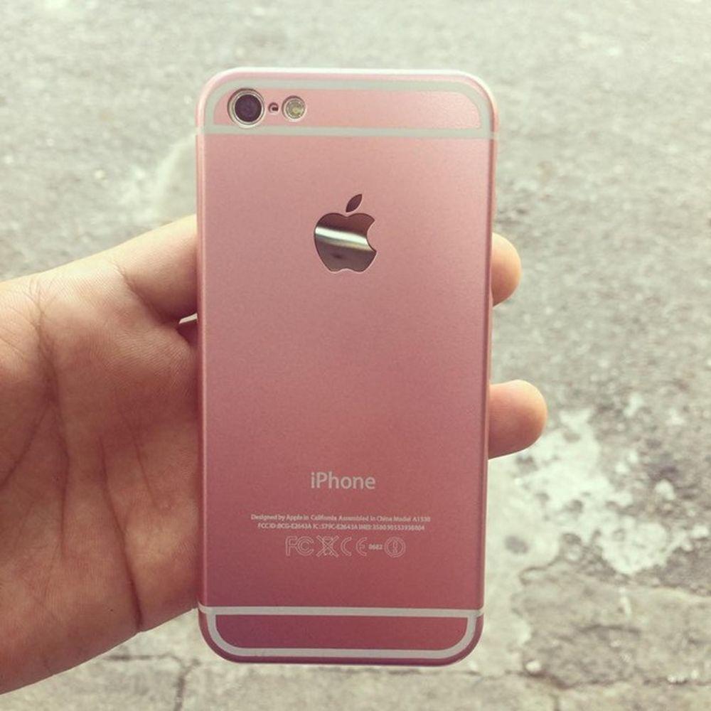 Từ sau sự kiện ra mắt iPhone 6S, 6S Plus, không chỉ có nữ mà nhiều bạn nam  cũng mua vỏ ốp màu vàng hồng này sử dụng.