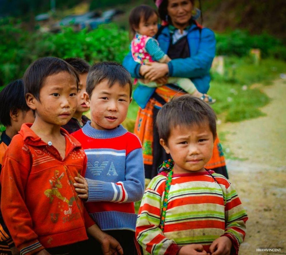 Kết quả hình ảnh cho các em bé dân tộc ở  tà xua