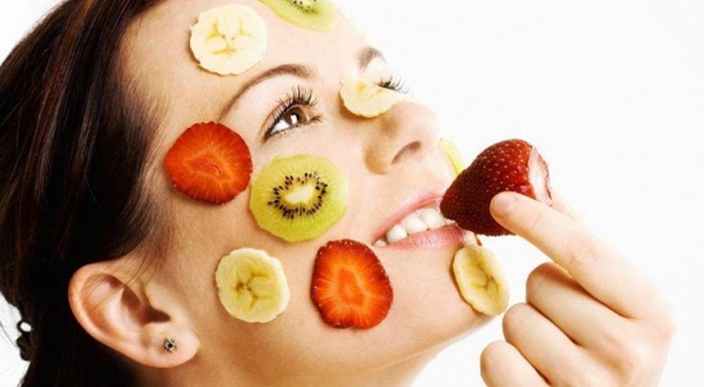 Kết quả hình ảnh cho ăn thực phẩm mát tốt cho da mặt