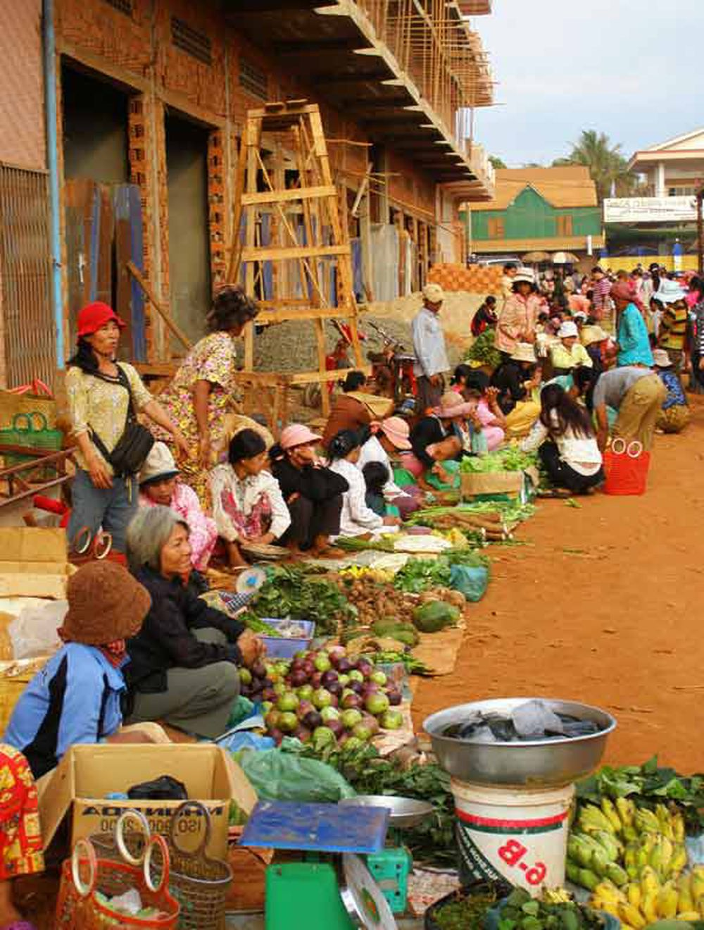 Một Góc Chợ Thị Xã Banlung Mà Y Như Chợ Làng, Chợ Xã Bên Mình.