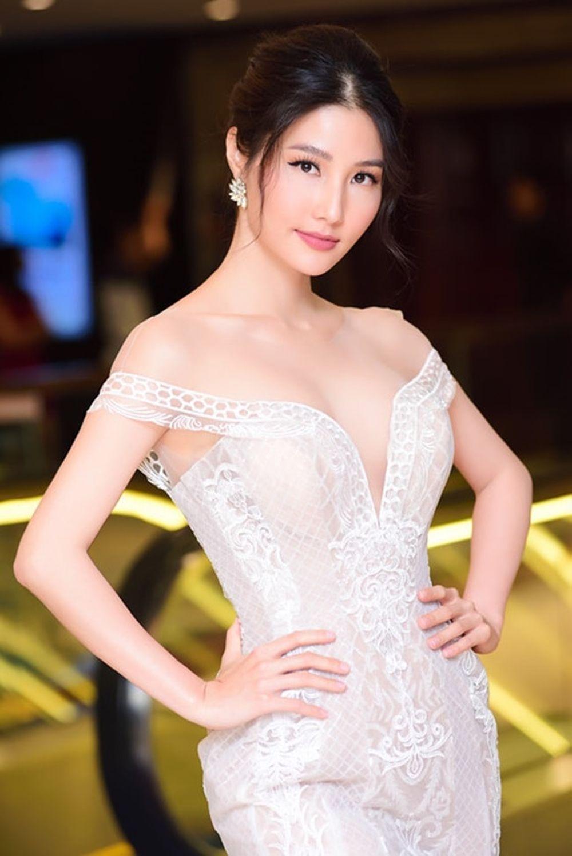 Để chuẩn bị cho bộ phim Cô Ba Sài Gòn, Diễm My 9x tiết lộ cô phải tăng 5kg  để phục vụ vai diễn. Khi tham dự một sự kiện gần đây, ...