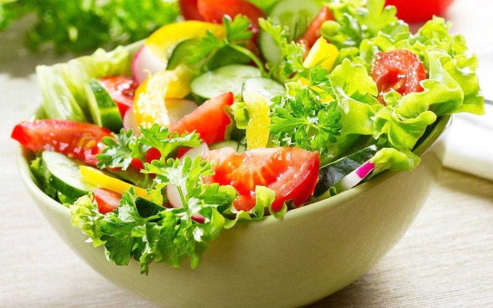 salad-ca-chua-giam-can