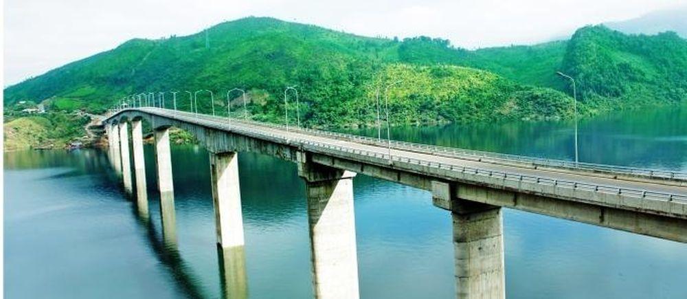 Hàng loạt những kỷ lục về cây cầu Pá Uôn - Tạp Chí Giao Thông Vận Tải