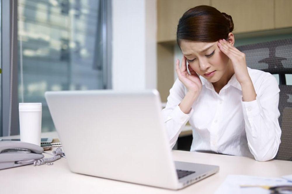 Image result for ngồi một chỗ đau đầu