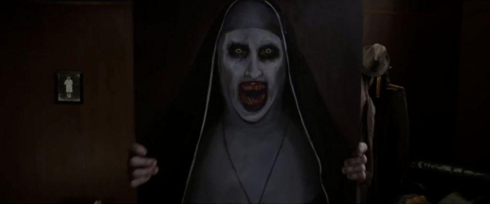 Phim The Nun (Ác quỷ ma sơ) lấy bối cảnh những năm 1950 ở Romania, xoay  quanh một tu viện hoang vắng. Khi phát hiện một ma sơ treo cổ tự tử, ...
