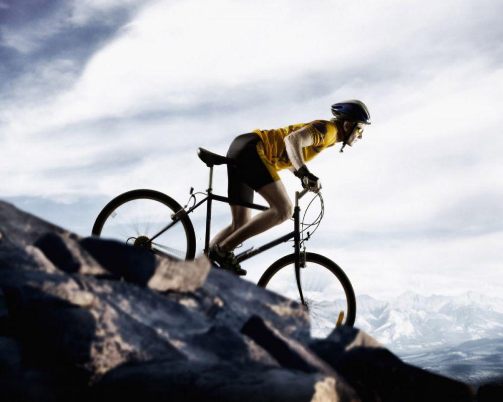 Nam giới đạp xe nhiều có ảnh hưởng đến khả năng sinh sản không? (Ảnh minh họa)