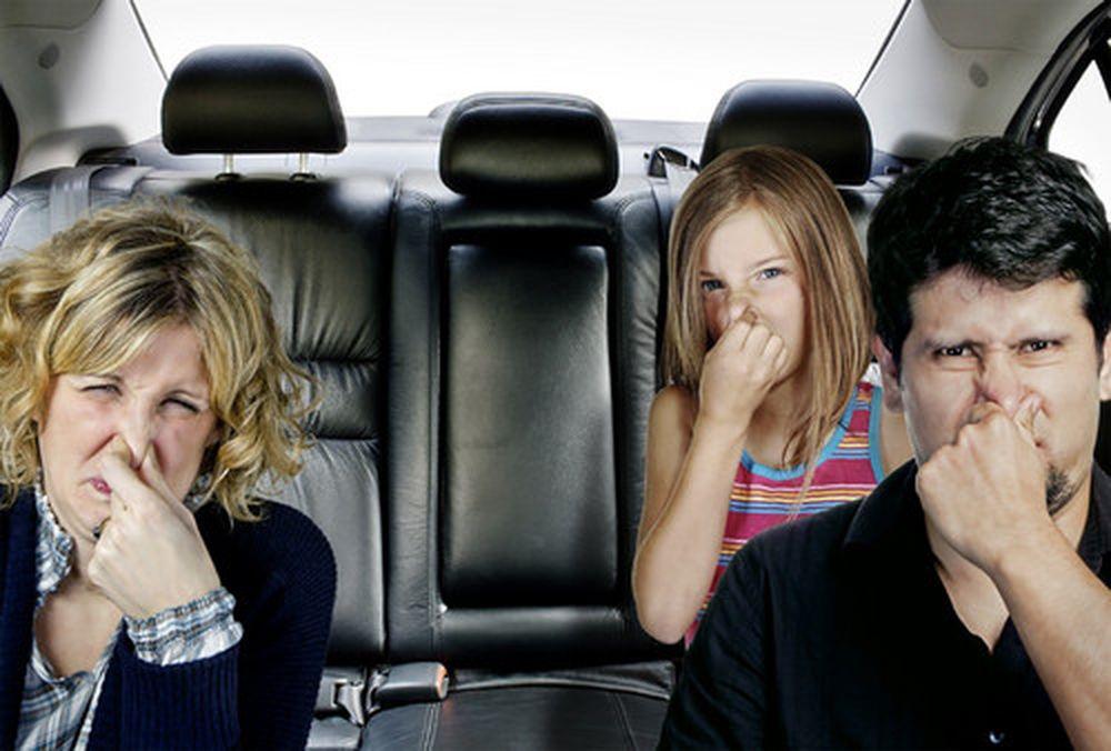 cách khử mùi trong xe ô tô mới (01)