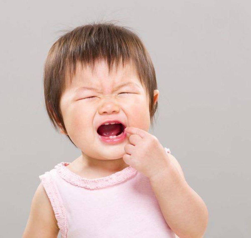 Vệ sinh răng miệng cho trẻ 1 tuổi không đúng cách có thể khiến trẻ bị hôi  miệng - Ảnh minh họa: Internet
