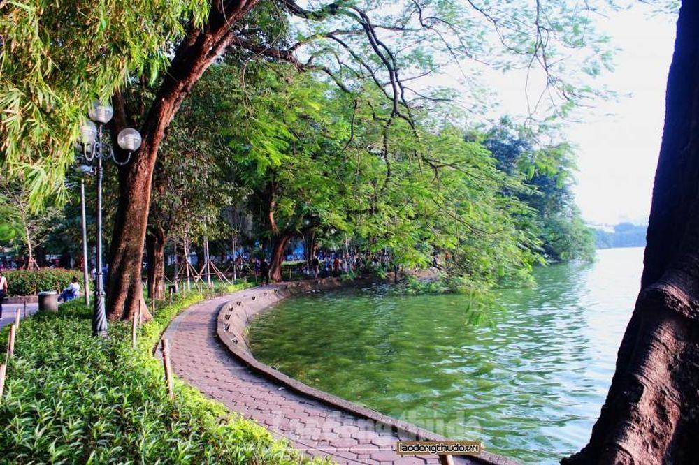 Vẻ đẹp yên bình trên Hồ Hoàn Kiếm - Báo Lao Động Thủ Đô