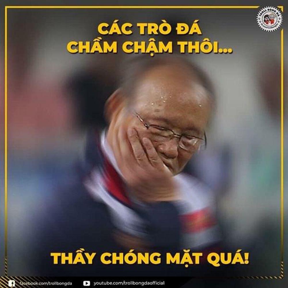 Sau chiến thắng của ĐT Việt Nam, hàng loạt ảnh chế đã được chia sẻ rầm rộ trên mạng xã hội.