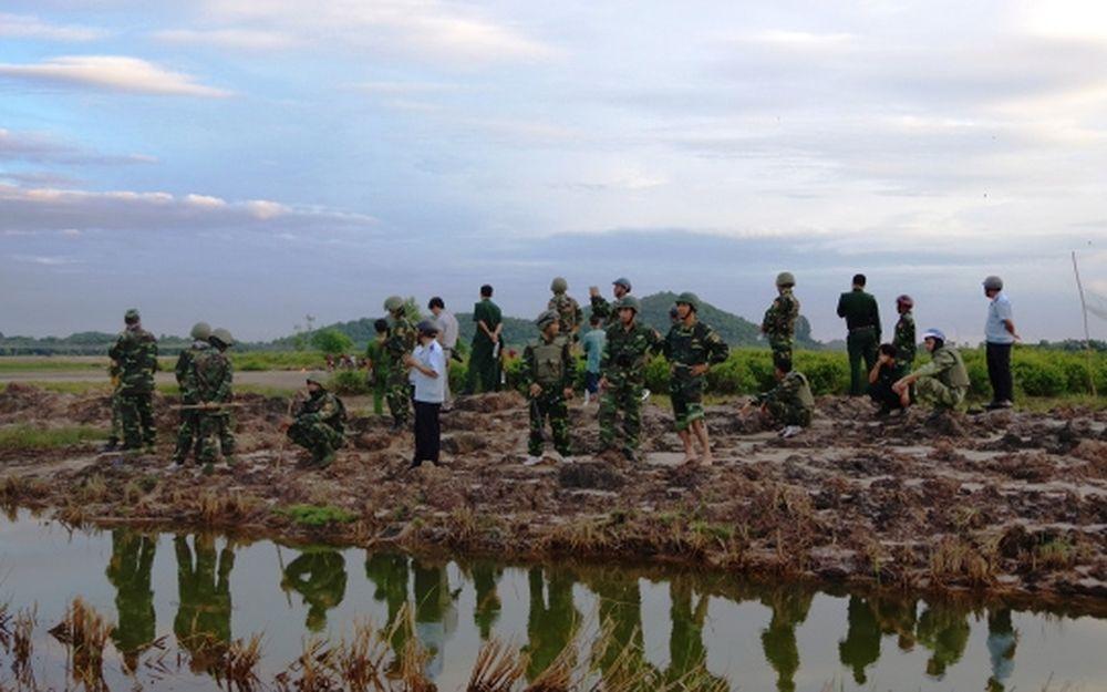 Cán Bộ, Chiến Sĩ Bđbp Phối Hợp Với Lực Lượng Công An, Hải Quan Tp Hà Tiên  Trực Chốt Chặn Tại Khu (Ảnh: Báo Biên Phòng)
