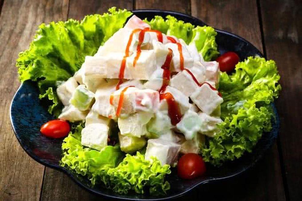 Image result for salad nhiều sốt