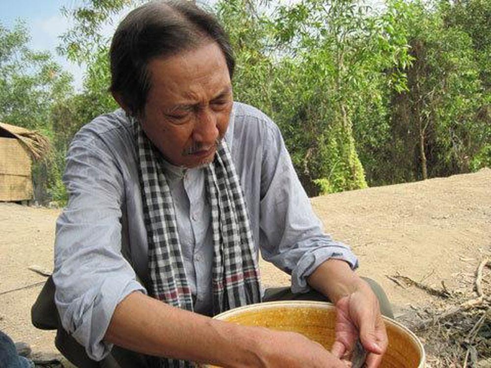 nghệ sĩ Lê Bình đảm nhiệm vai Bảy Cô Đơn trong Vùng Đất Không Yên Tĩnh