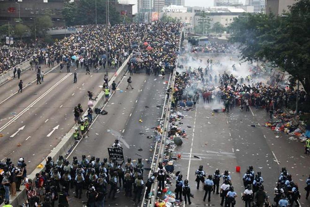 Kết quả hình ảnh cho bạo loạn ở hồng kon