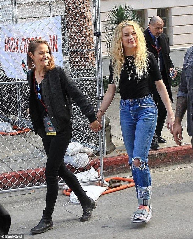 Amber Heard lại bị chỉ trích là 'kẻ đào mỏ' Johnny Depp - Báo Tri ...