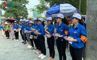 Thi THPT Quốc gia 2019: Những hình ảnh đẹp về sinh viên tình nguyện