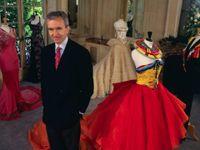 Cuộc sống thượng lưu của ông trùm thời trang giàu thứ 2 thế giới