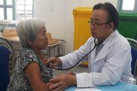 Khám bệnh cho hơn 300 người dân ở huyện Bình Chánh