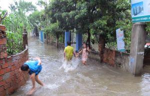 Tình trạng ngập úng ở nhiều khu dân cư phường Hòa Minh