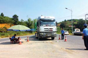 Chặn xe quá tải né Trạm thu phí BOT Tam Nông