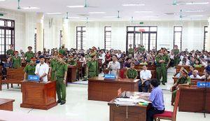 Quảng Bình: Cán bộ địa chính chiếm đoạt tiền làm sổ đỏ của người dân lãnh 18 năm tù