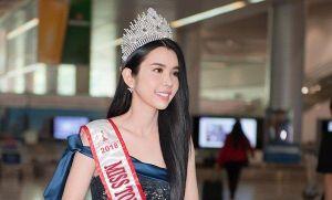 Huỳnh Vy đội vương miện, rạng rỡ ở sân bay sau đăng quăng 'Hoa hậu Du lịch Thế giới 2018'