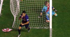Suarez lại lập đại công, Barcelona củng cố ngôi đầu La Liga