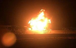 Xe tải bốc cháy khi đang lưu thông trên cao tốc Nội Bài - Lào Cai