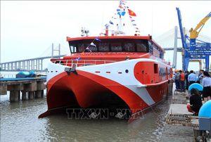 Hạ thủy an toàn tàu cao tốc hai thân lớn nhất được đóng tại Việt Nam
