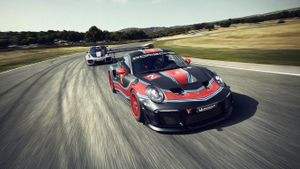 Siêu xe Porsche 911 GT2 RS có bản 'chạy trường' Clubsport