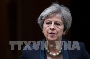 """Cú """"bẻ lái"""" bất ngờ của Thủ tướng Anh Theresa May"""